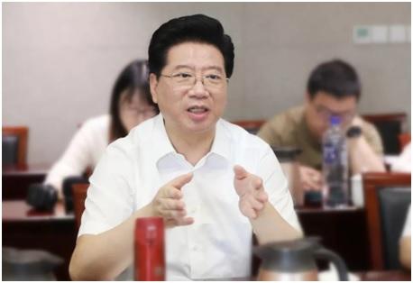 提案答复会议:完善上海文创产业人才养成机制 胡卫讲话