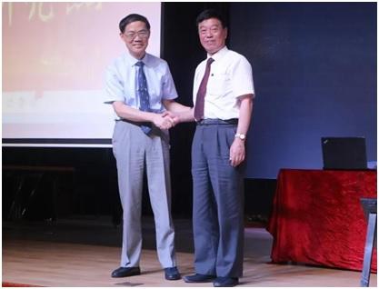 冯伟国担任上海震旦职业学院校长