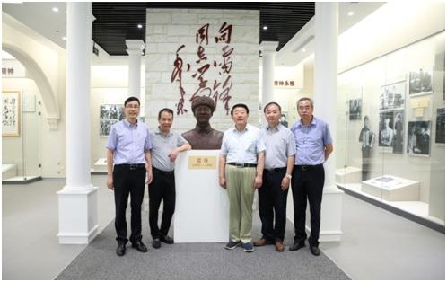 中国民办教育协会会长王佐书到上海建桥学院调研